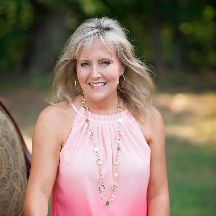 305: Elizabeth Scruggs- The Things I Learned From A Well-Designed Business®